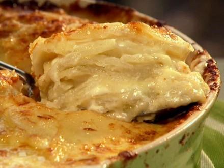 NY1012H_cheesy-potato-casserole_s4x3